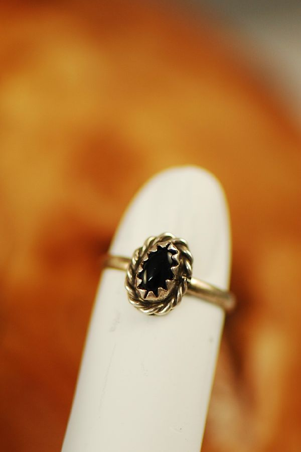 Navajo – Black Onyx Sterling Silver Baby Ring Size 1