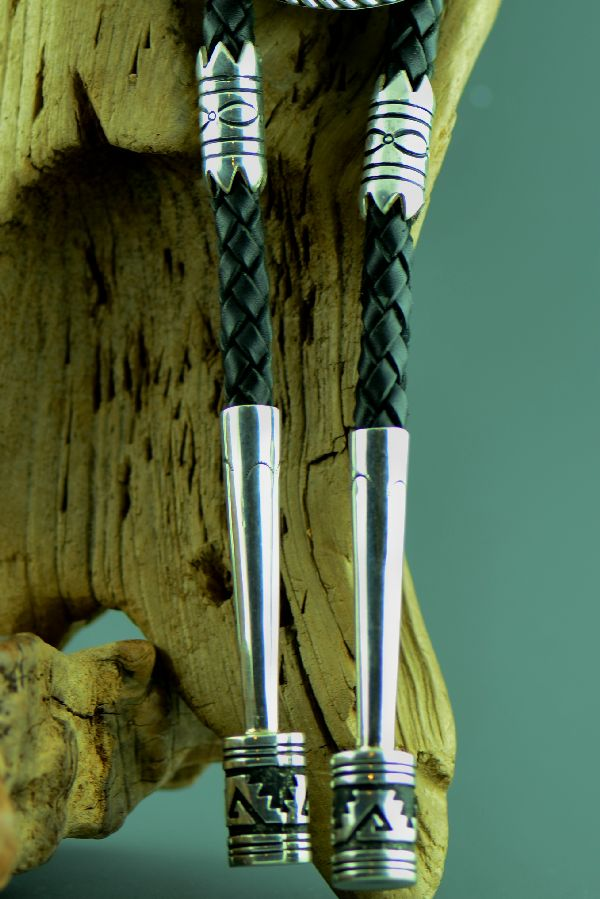 Navajo – Sterling Silver Hand Carved Black Marble Bobcat Bolo Tie with Handmade Sterling Silver Tips by Tommy Singer