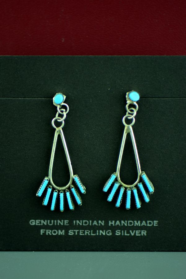 Zuni – Sterling Silver Sleeping Beauty Turquoise Needle Point Earrings