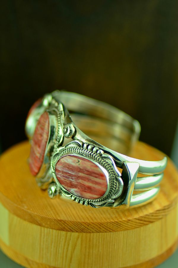 Navajo – Exquisite Sterling Silver Spiny Oyster Shell Bracelet by Will Denetdale