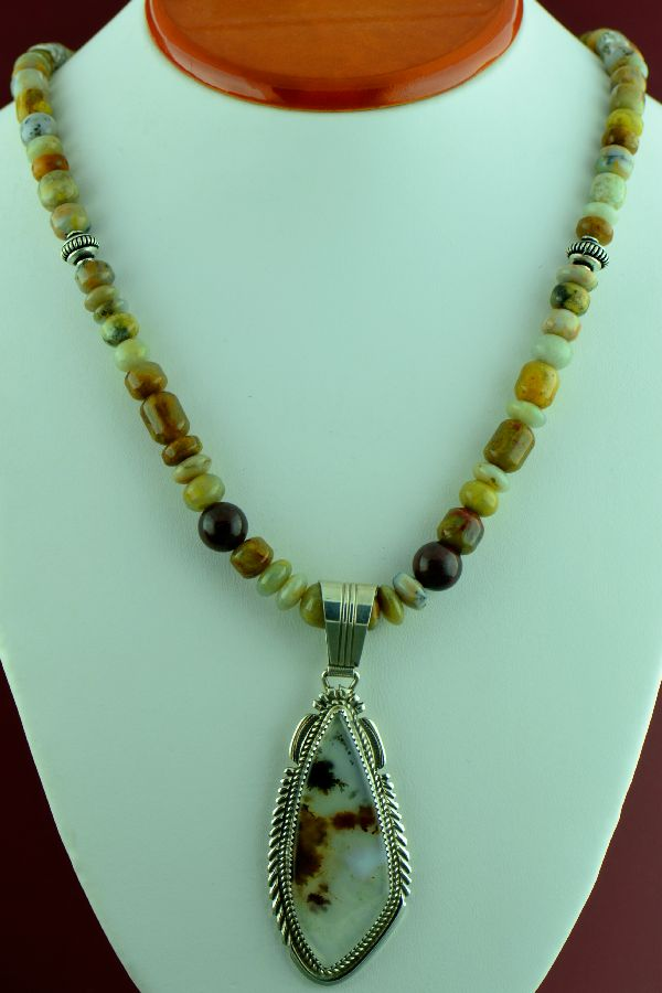 Navajo – Sterling Silver Montana Agate Pendant and Necklace by Loren T Begay (Private Collection)