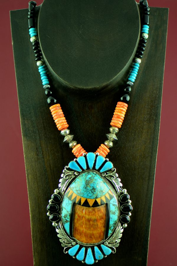 Navajo –  Spiny Oyster Shell, Kingman Turquois and Black Onyx Necklace with Sterling Silver Kingman Turquoise, Sleeping Beauty Turquoise, Jet and Spiny Oyster Shell Pendant by Will Denetdale and Alvin Joe (Private Collection)