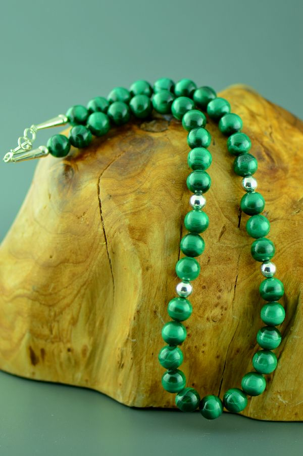 Navajo – Sterling Silver Malachite Necklace by Mary Begay