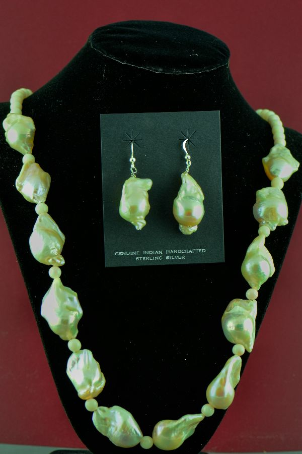 Navajo – Sterling Silver Pink Fresh Water Pearl Necklace and Earrings by Clara Whiterock (Private Collection)
