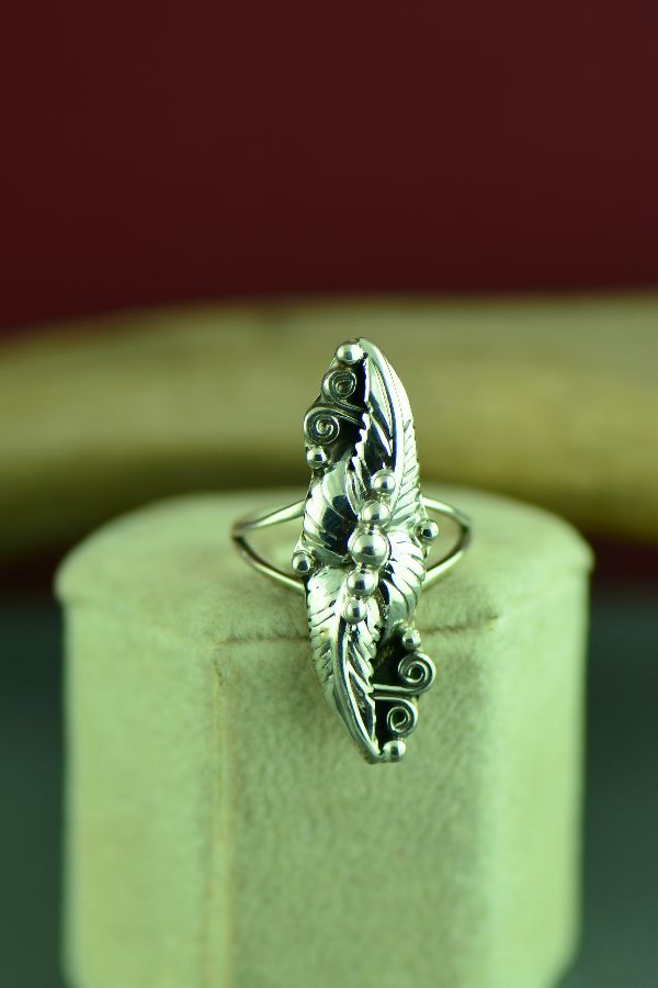Navajo Sterling Silver Leaf Ring Size 6 1/2