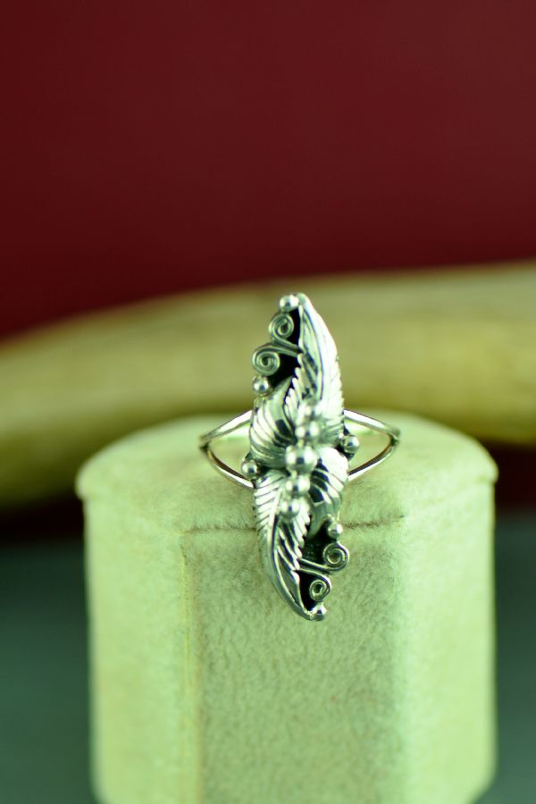 Native American Sterling Silver Leaf Ring Size 8 1/2