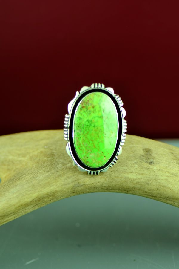 Ladies Navajo Gaspeite Ring