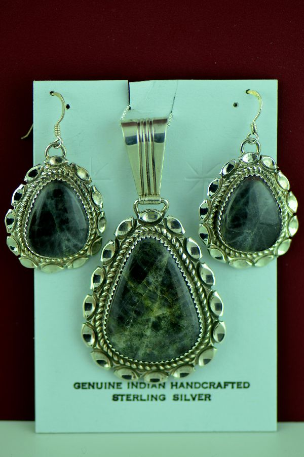 Navajo – Sterling Silver Spectrolite Pendant and Earring Set by Loren Begay