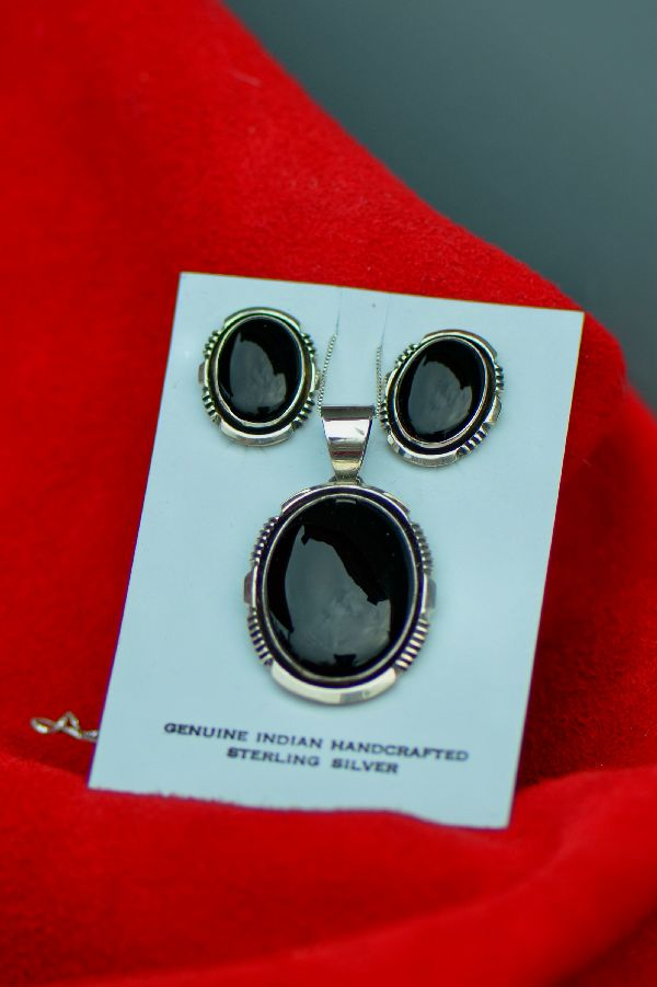Navajo – Sterling Silver Black Onyx Pendant and Earring Set by Will Denetdale
