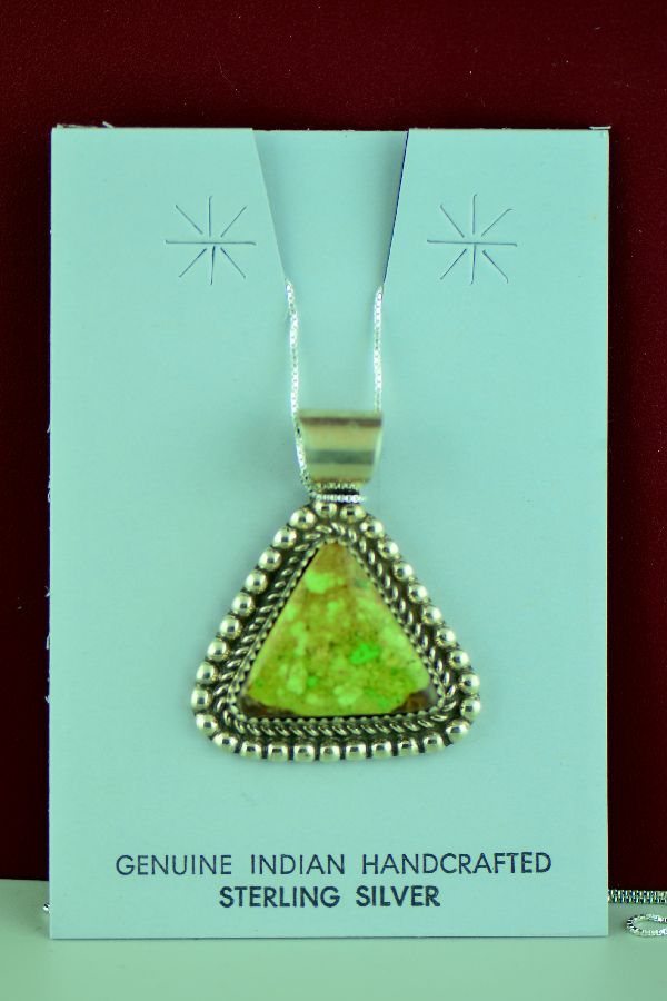 Navajo – Sterling Silver Gaspeite Pendant by Richard Begay