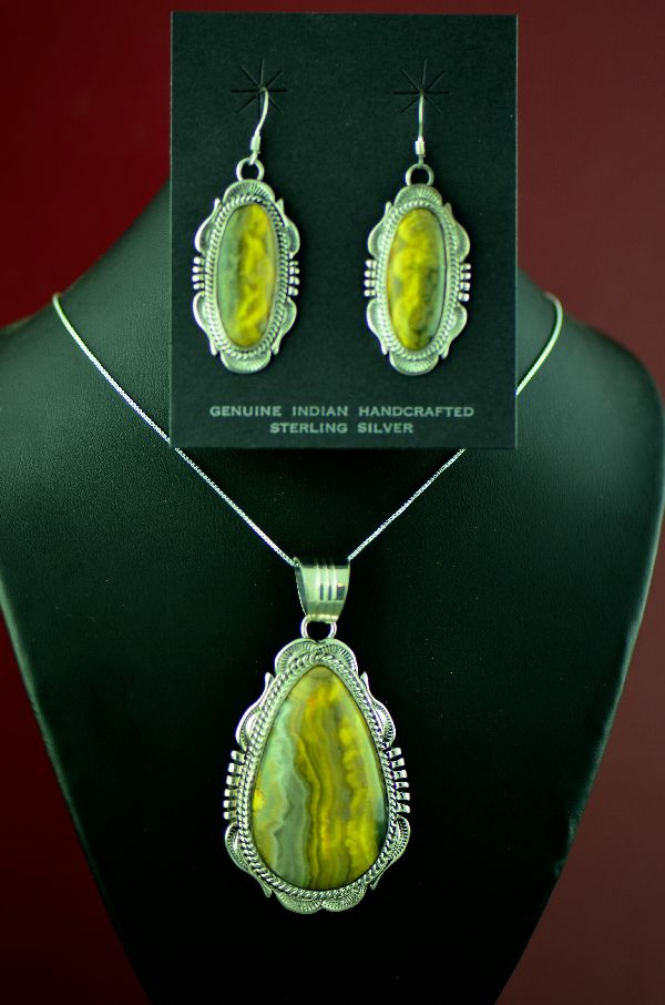Navajo – Sterling Silver Bumble Bee Jasper Pendant and Earrings by Will Denetdale