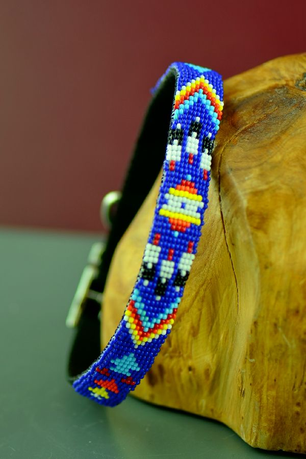 "Caroline Joe Navajo 14"" Multi-Colored Arrow and Prayer Feather Beaded Nylon Dog Collar"