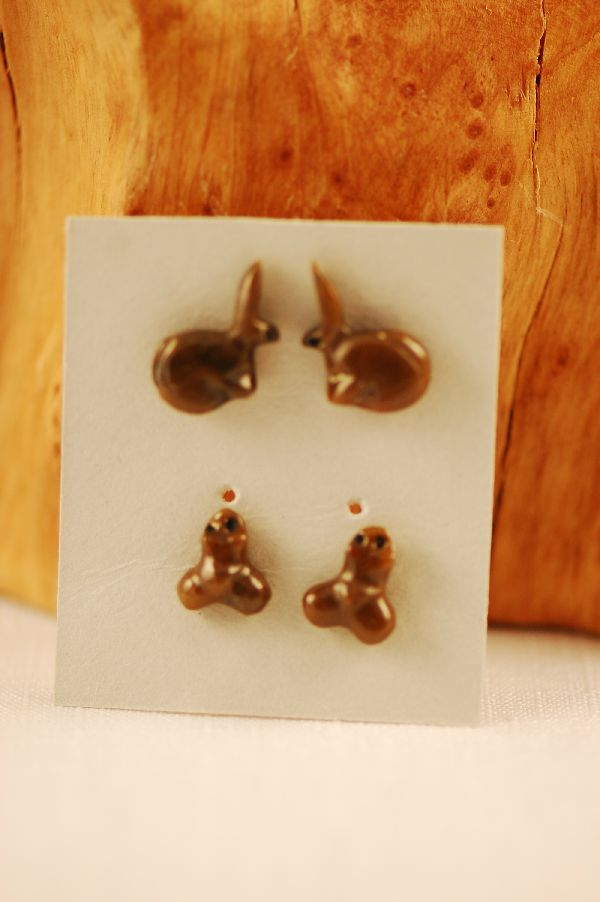 Navajo – Hand Carved Serpentine Rabbit and Frog Fetish Earrings