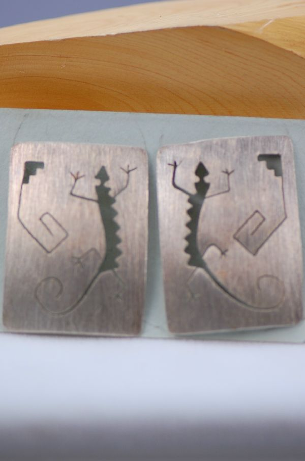 Navajo – Sterling Silver Hopi Style Gecko Earrings