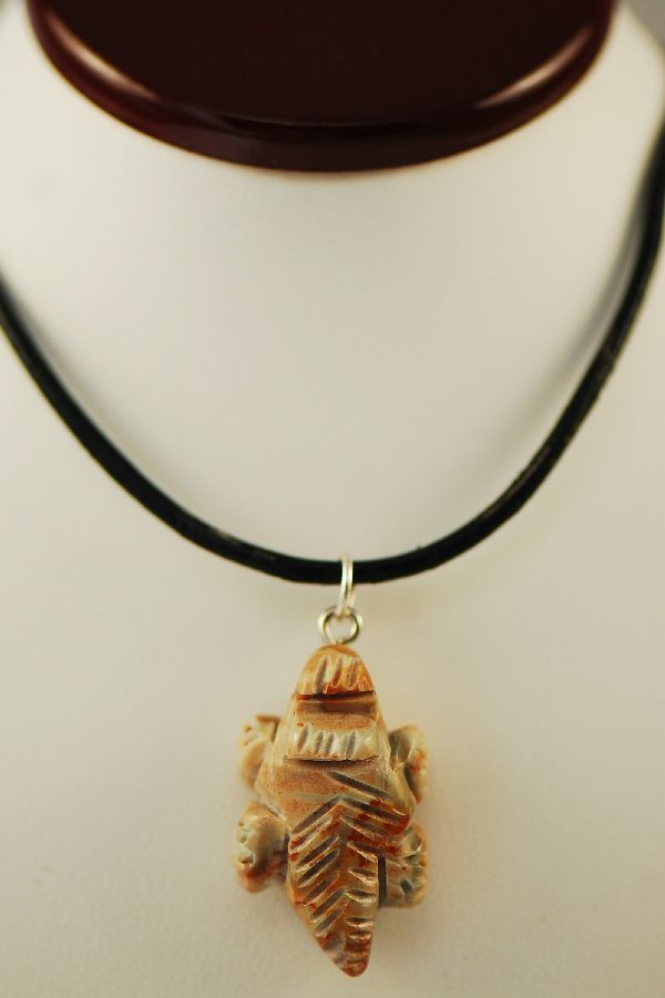 Navajo � Hand Carved Picasso Marble Horny Toad Fetish Pendant by DuWayne Turpen