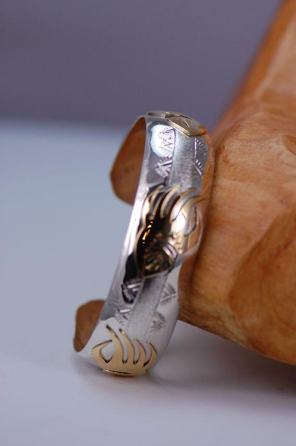 Navajo – 12ktGF and Sterling Silver Bear Paw Bracelet by Roger Jones