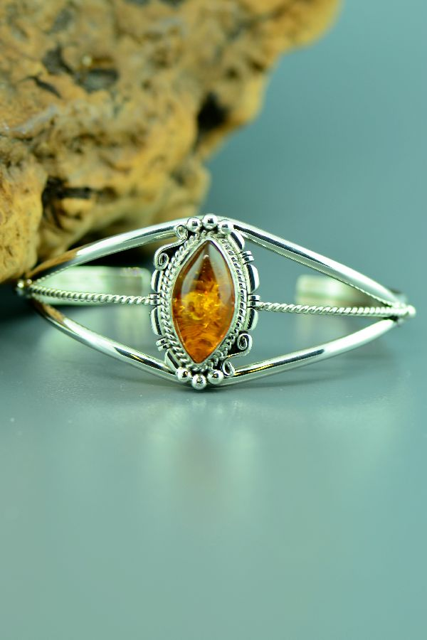 Navajo – Sterling Silver Amber Bracelet by Dorothy Ashley