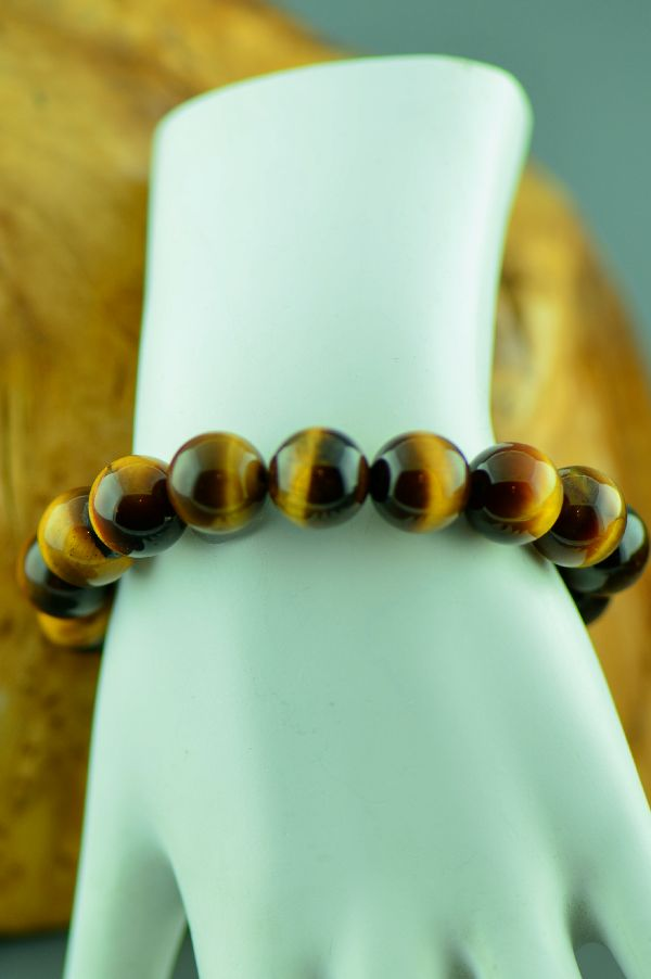Navajo – Tiger Eye Bracelet by Clara Whiterock