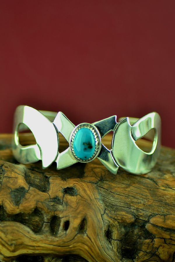 Navajo Contemporary Sterling Silver Kingman Turquoise Bracelet by Alex Begay