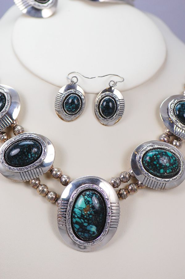 Navajo - Exquisite China Mountain Spiderweb Turquoise Necklace, Bracelet, Earrings and Ring Set