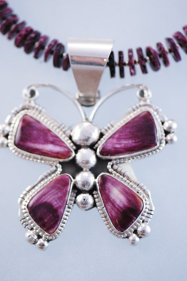 Navajo –  Spiny Oyster Graduated Disc and Sterling Silver Bead Necklace with a Spiny Oyster Butterfly Pendant