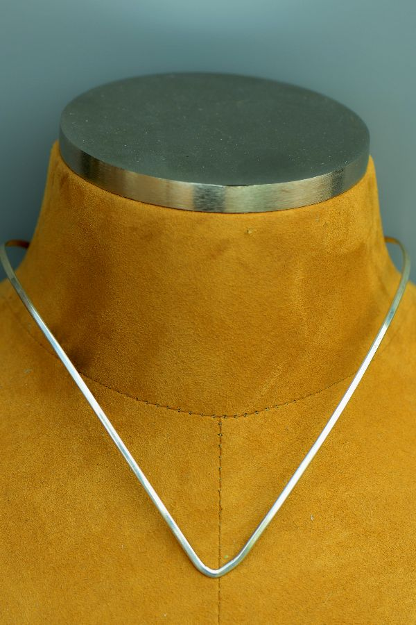 Navajo – Sterling Silver Collar by Jonathan Kelwood