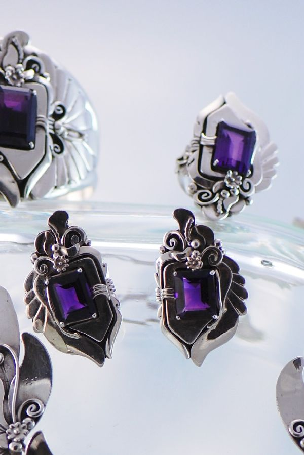 Navajo - Exquisite Sterling Silver Natural Brazilian Amethyst Necklace, Bracelet, Earrings and Ring Set