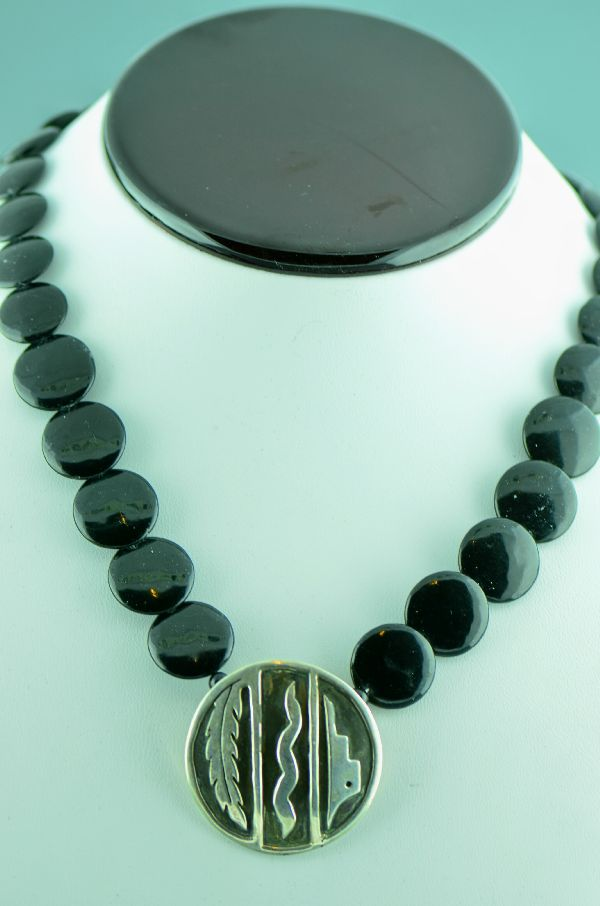 Navajo – Elegant Black Onyx Disc and Sterling Silver Necklace by Leonard Maloney