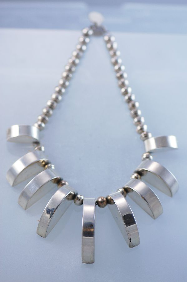 Navajo – Unusual 9 Piece Contemporary Sterling Silver Necklace