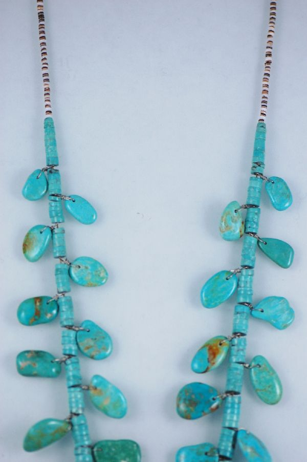 Santo Domingo – Pilot Mountain Turquoise Necklace with Oyster Shell Heishe by Ken Aguilar