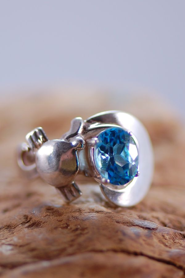 Navajo – Ladies Blue Topaz Sterling Silver Ring Size 5 1/4