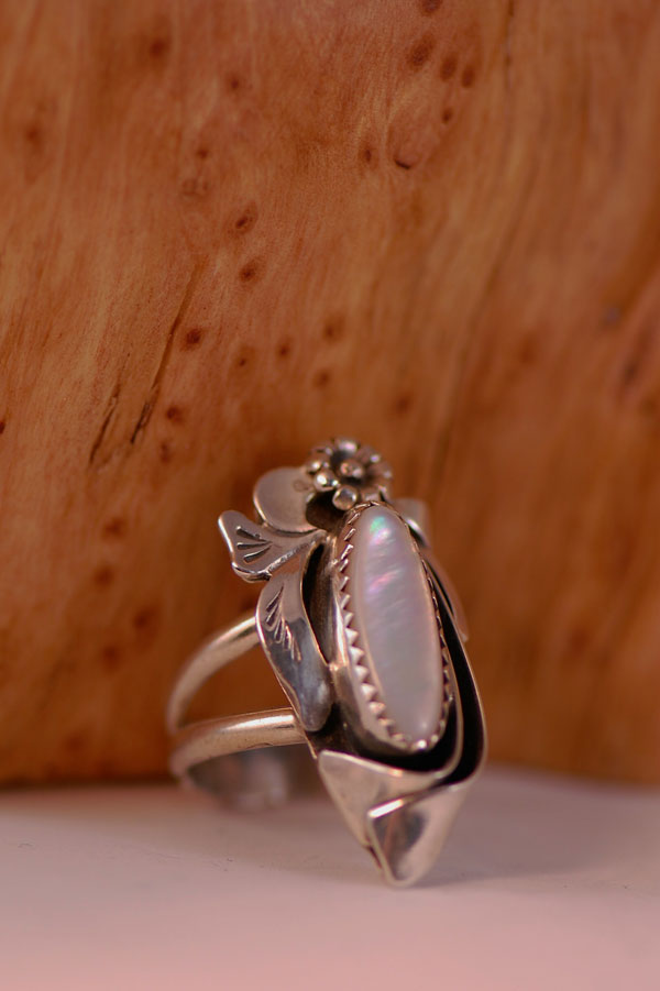 Navajo – Light Pink Mother of Pearl Sterling Silver Ring Size 6 1/2
