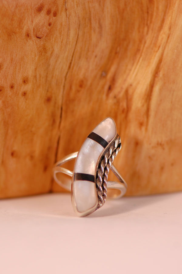 Navajo – Light Pink Mother of Pearl and Jet Inlaid Sterling Silver Ring Size 5 3/4