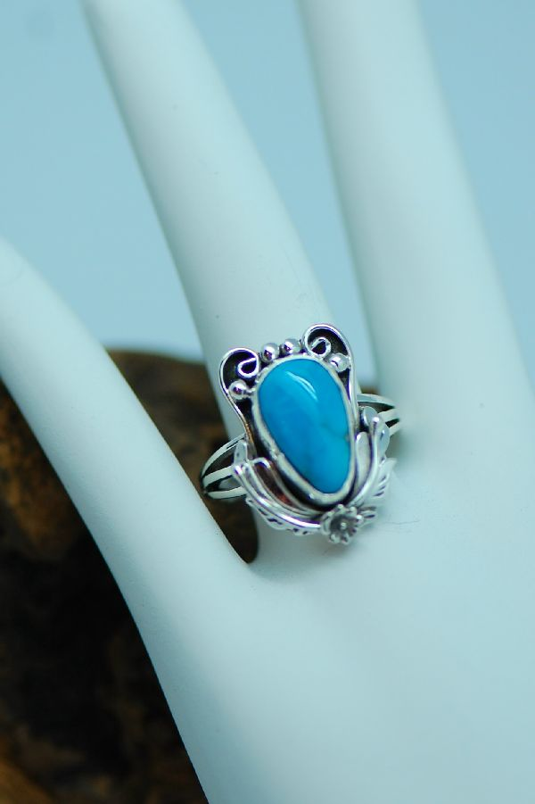 Ladies Turquoise Silver Ring