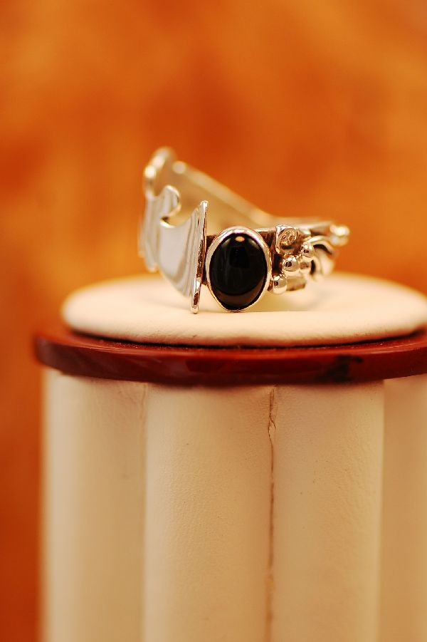 Les Baker – Ladies Black Onyx Sterling Silver Ring Size 6 1/2
