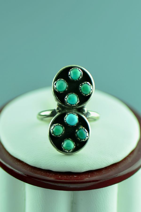 Zuni – Sterling Silver Petite Point Turquoise Ring Size  3 1/2
