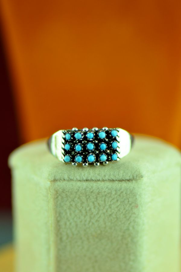 Zuni – Sterling Silver Petite Point Turquoise Ring Size 8 1/2