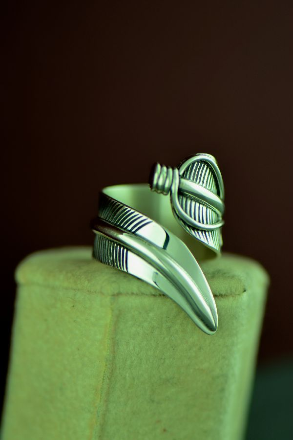 Navajo – Sterling Silver Adjustable Leaf Ring by Freddy Charley Size 7 to 9