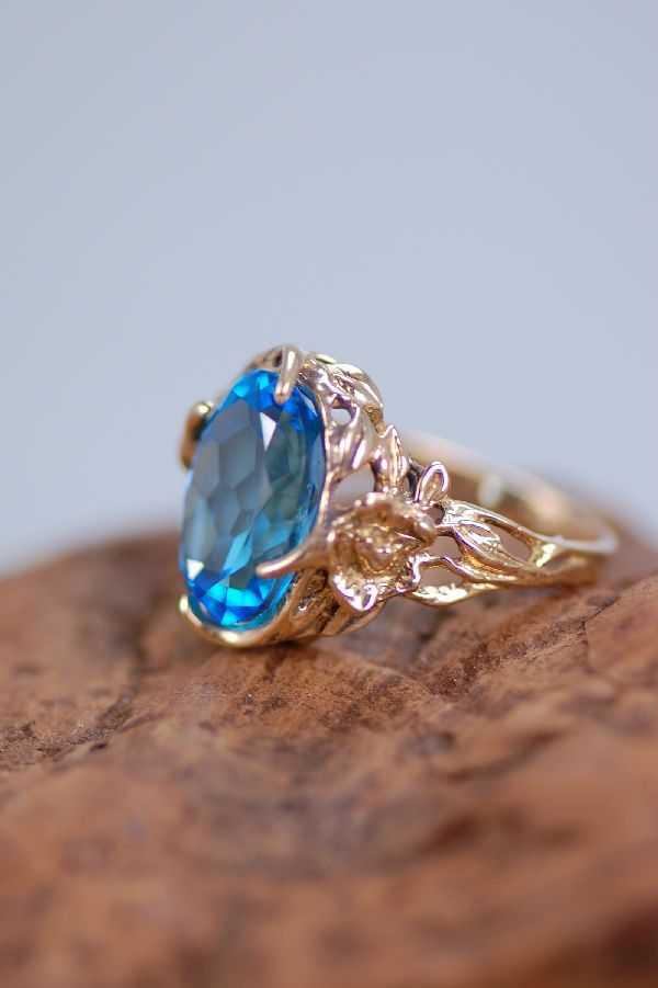 Cherokee – Ladies 14KT London Blue Topaz Ring Size 7 1/2