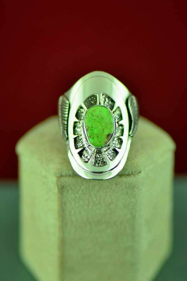 Ladies Navajo Sterling Silver Gaspeite Ring