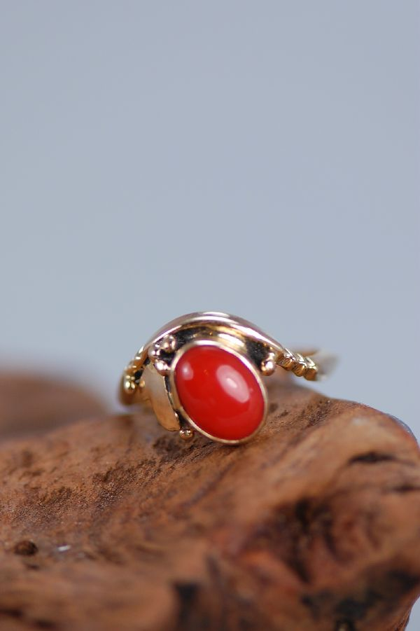 Navajo – Ladies 14KT Gold Natural Mediterranean Coral Ring Size 3 1/2