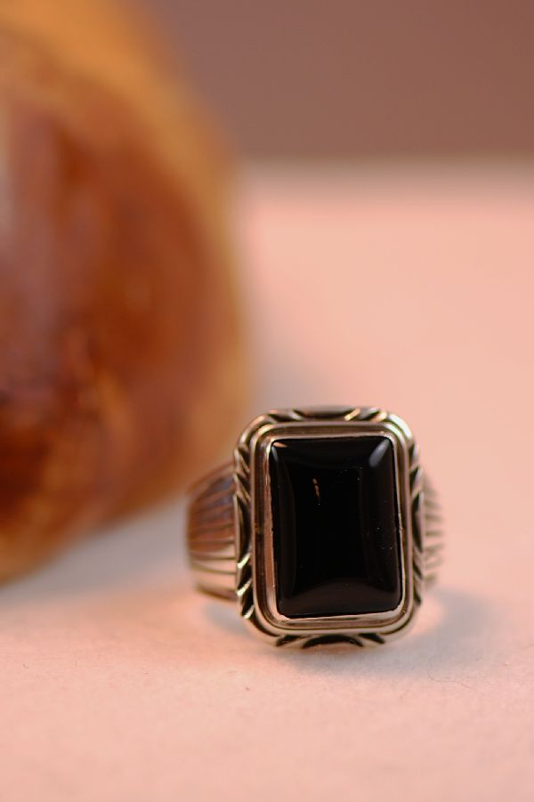 Navajo – Black Onyx Sterling Silver Ring Size 13 3/4