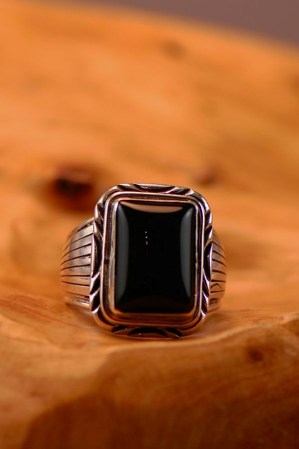 Navajo � Black Onyx Sterling Silver Ring Size 13
