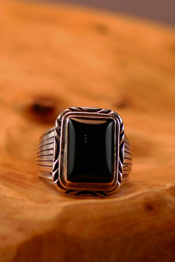 Navajo � Black Onyx Sterling Silver Ring Size 12