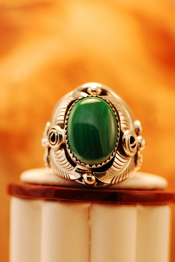Navajo – Malachite Silver Ring Size 9