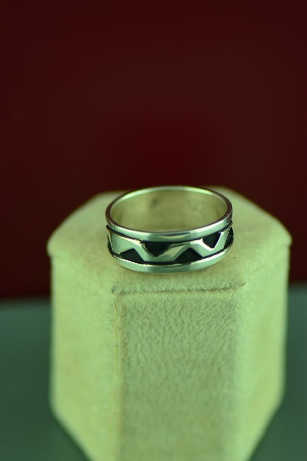 Rosita Singer Mountain Ring Size 10