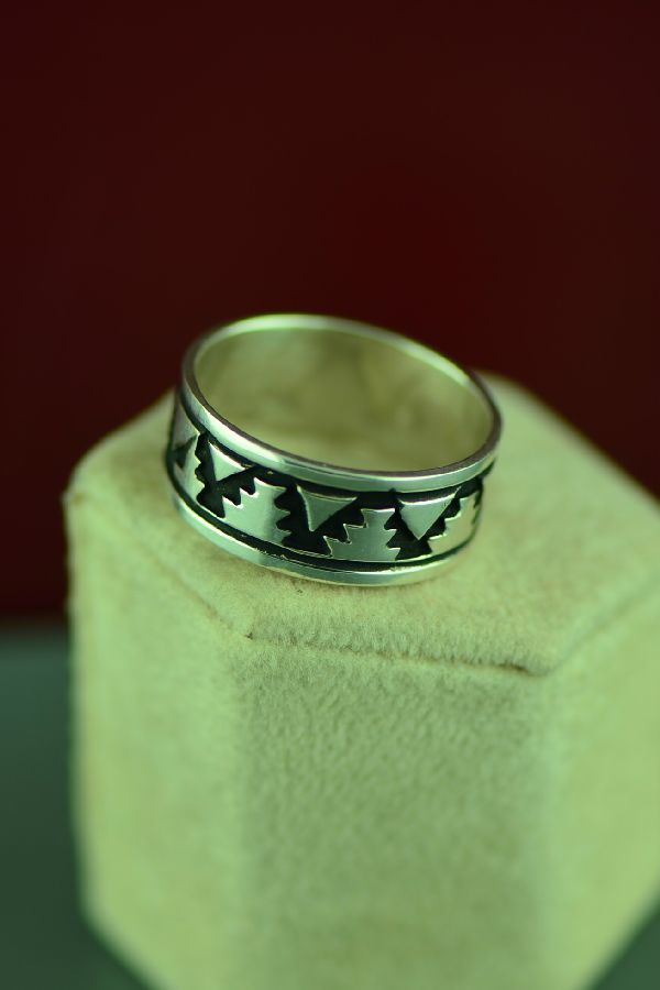 Navajo Sterling Silver Mountain Symbol Ring by Tommy and Rosita Singer Size 12