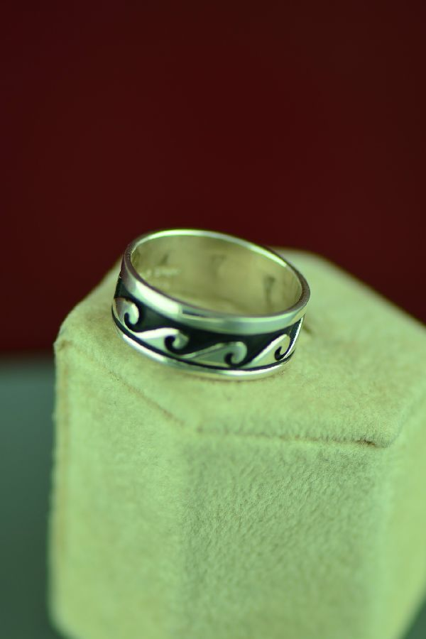 Navajo Sterling Silver Water Symbol Ring by Tommy and Rosita Singer Size 8 3/4