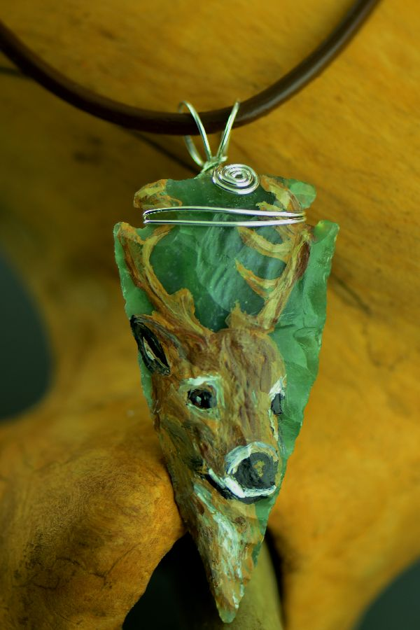 "Delaware – Hand Knapped/Painted Deer Arrowhead Pendant by Pat Discher and Christine ""Arrow Shooting Morning Star"" Stiefel"