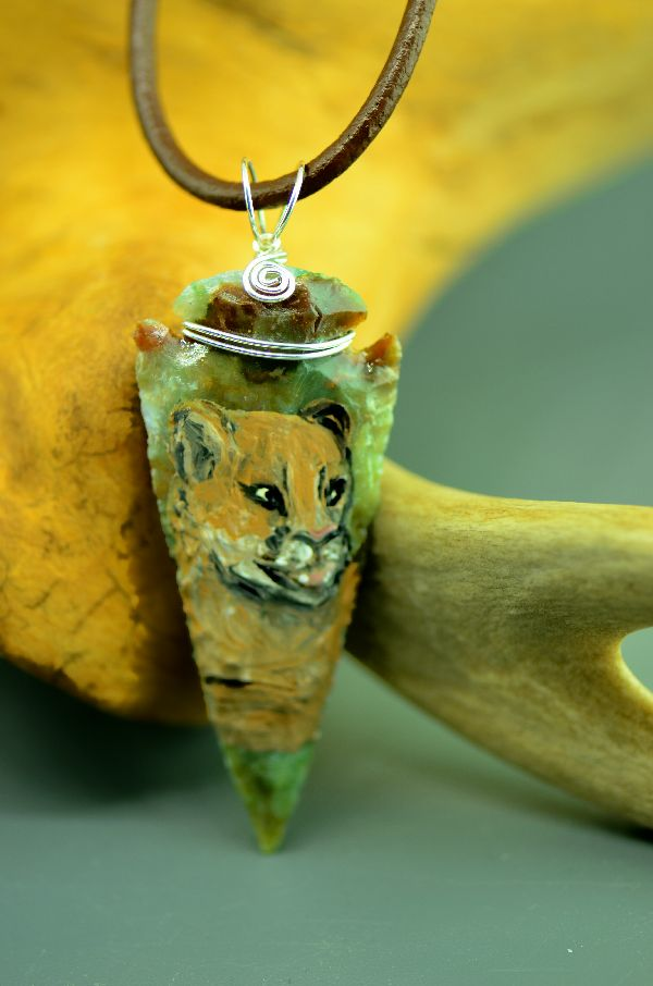 "Delaware – Hand Knapped/Painted Mountain Lion Arrowhead Pendant by Pat Discher and Christine ""Arrow Shooting Morning Star"" Stiefel"